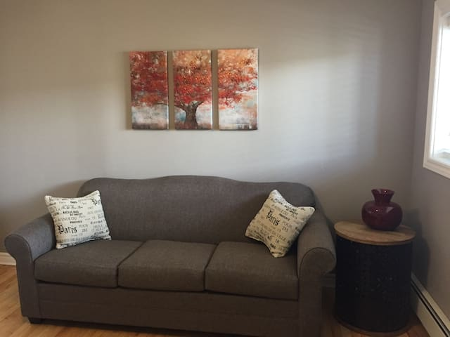 Cozy Apartment- Downtown Stratford - Stratford - Huoneisto