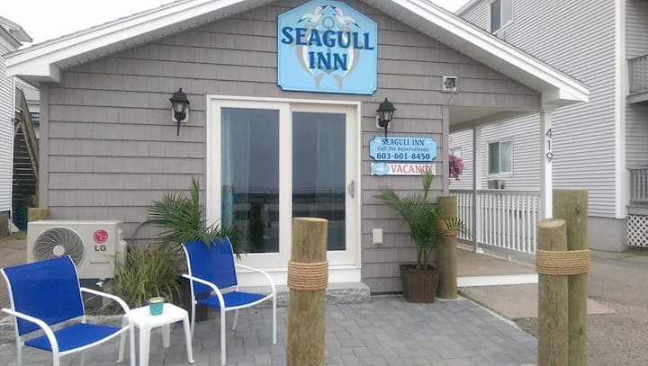 Seagull Inn queen room