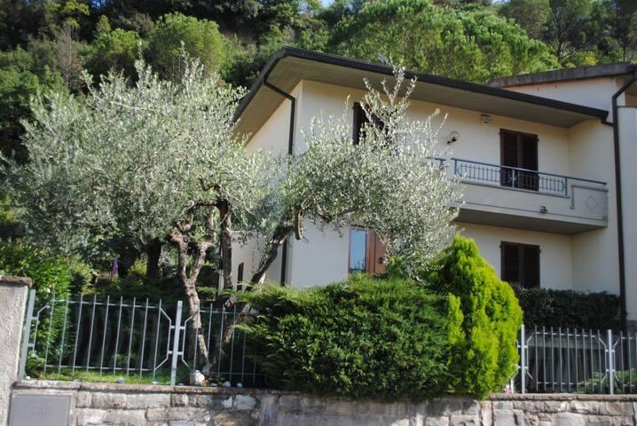 Villetta immersa nel verde tra Empoli e Firenze - Montelupo Fiorentino - Pis