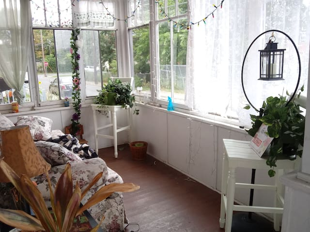 A simple room for rest near train/bus station