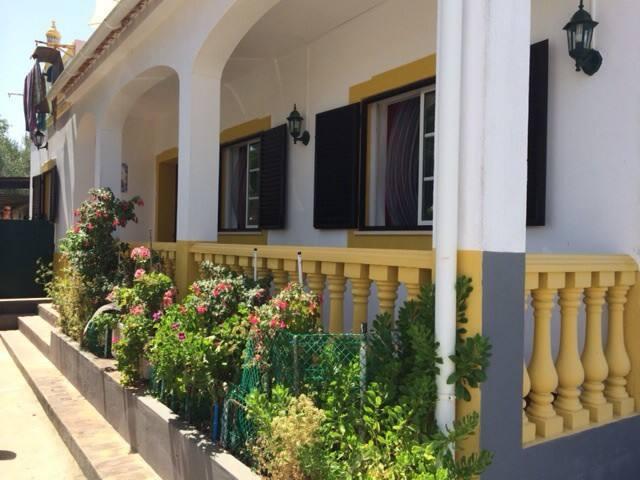 peral le charme prés de la plage randonné - Peral - House