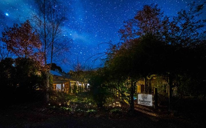 Redbrow Garden Lakeside Guesthouse