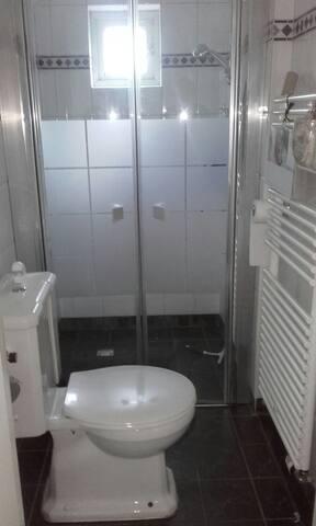 Toilet / Badkamer