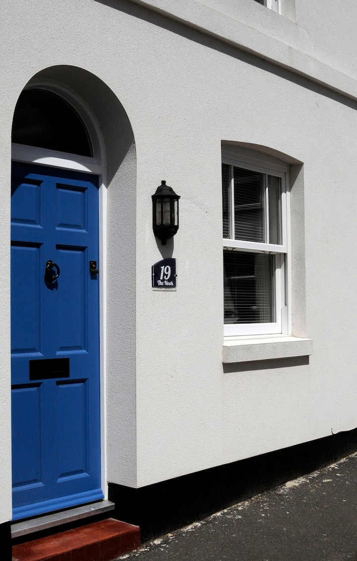The Nook - A Deal cottage close to beach and town
