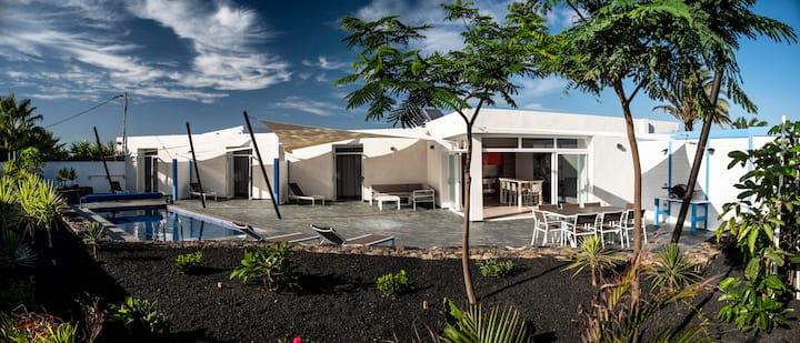 NVF - CASA FATIMA - Villa avec piscine chauffée