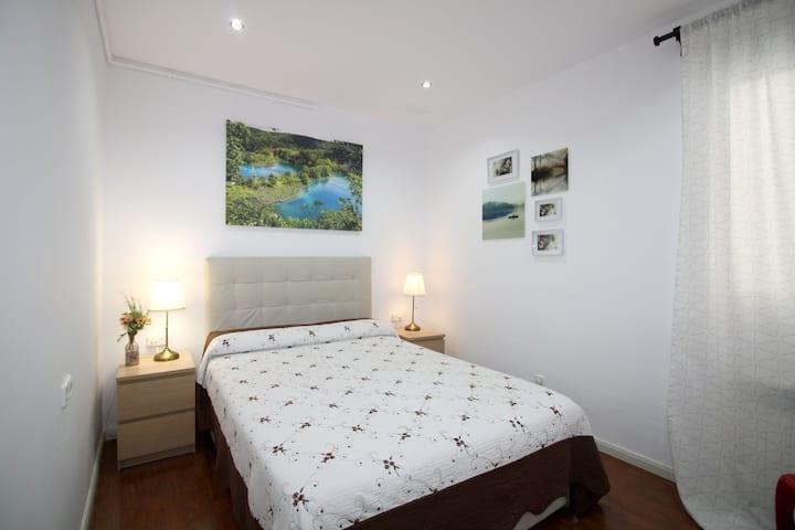 Comoda y tranquila habitacion cerca de Diagonal.