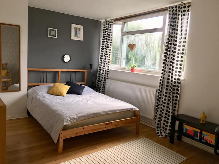 Cosy and spacious double room in Crystal Palace