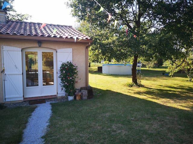 Montbartier – Guest house calme 50m² avec piscine