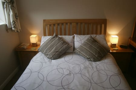 Inglemere B & B, Lymington - Bed & Breakfast