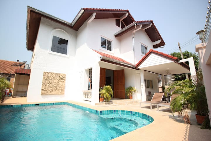 Naklau Pool Villa - Muang Pattaya - Casa