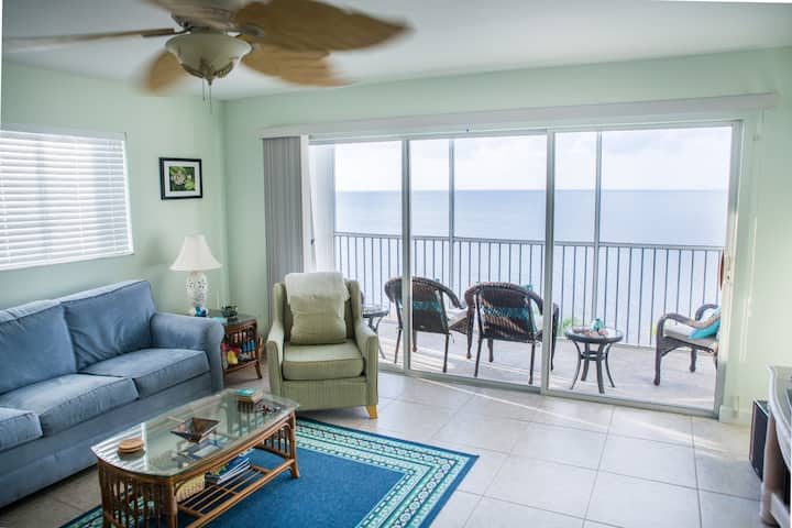 Beachfront Condo w/ Ocean Views in Marathon