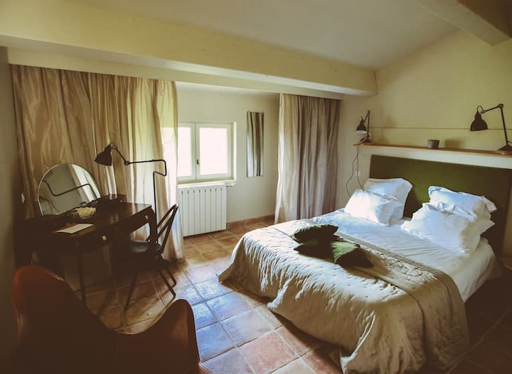 Ô pied du Cyprés-Double room-Comfort-Ensuite with Shower-Countryside view