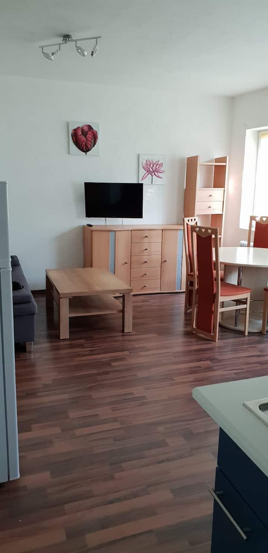 Ganze Wohnung ( Studio ) mit Gartennutzung
