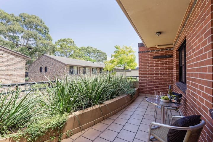 Unit 5 Ultra on Queen 2 bed apart - Newtown - Apartment