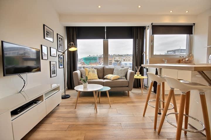 Stunning, comfortable downtown living | Carmes