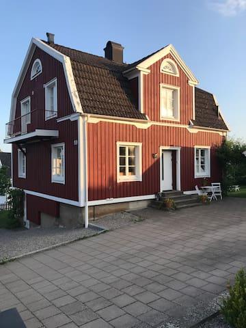 Barnvänlig villa, många sovplatser