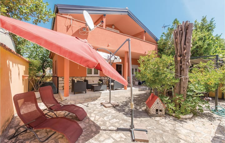 Awesome home in Vrsi with 2 Bedrooms