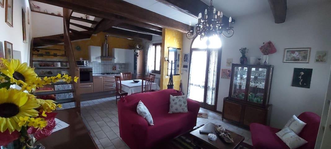Accogliente appartamento in casa di fine '800