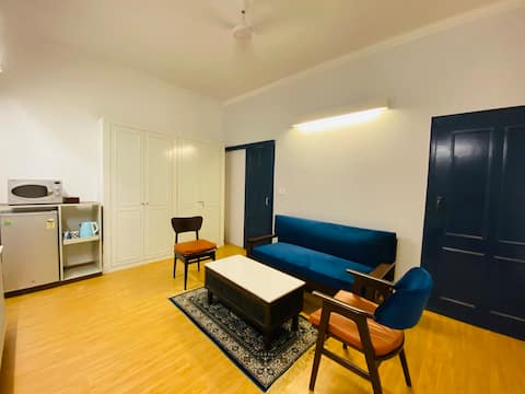 Couple-Friendly 1BHK fusion apartment in Jangpura Extension in heart of South Delhi