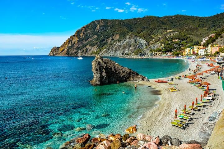 the beach of Monterosso