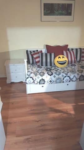 Room 1 - Nightstand & Daybed