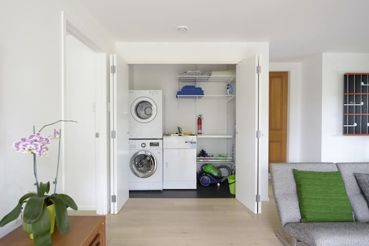 New flat close to the beach & city - Auckland - Appartement