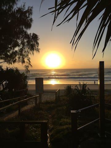 Europe Court, Mermaid Beach, Gold Coast Queensland - Mermaid Beach - Daire