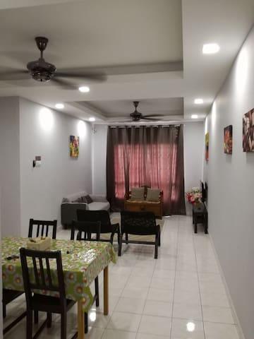 Homestay Seroja Bukit Jelutong Shah Alam