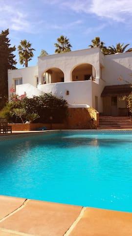 Sotogrande Villa  'Beach side'