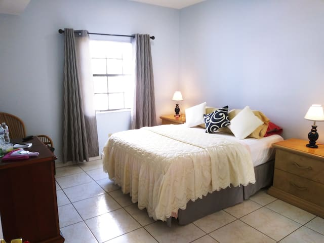 103 Comfortable Room in Little Havana