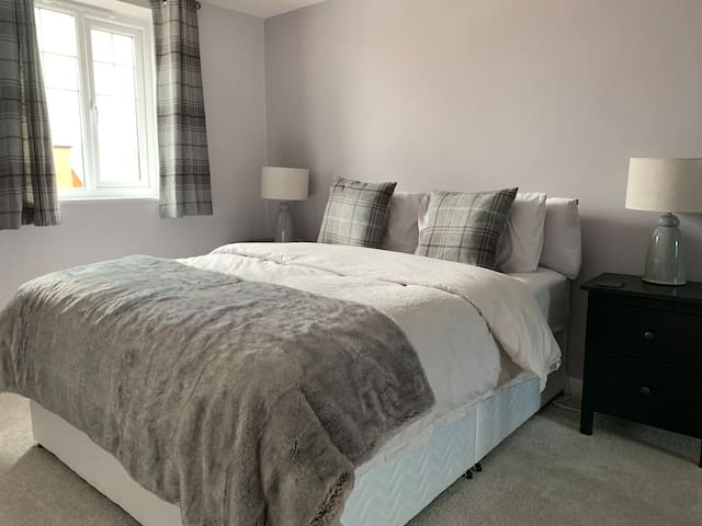 Modern & Comfortable Home in Marston Moretaine