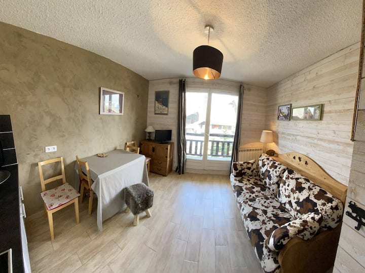 Pretty comfortable studio 100 m from the slopes in Risoul