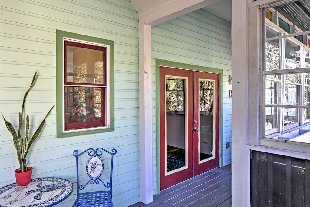 Have the ultimate Gainesville getaway at this 2-bed, 2-bath vacation rental!