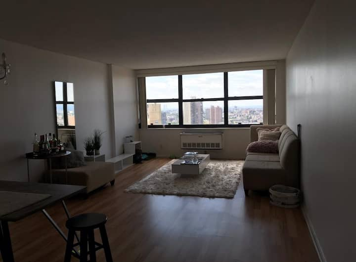 Great and luxury apartment in west New York