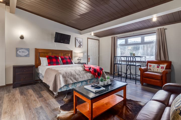 ✿Budget Friendly, Cozy 1BR At The Edge Of Canmore✿