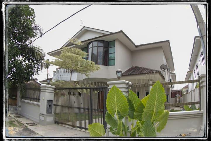Warni Villa No.197