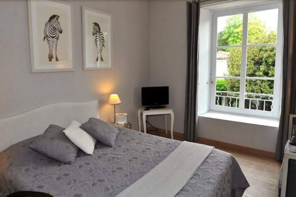 Chambres d 39 h tes entre hotes guest houses louer la - Chambre d hote la rochelle centre ...