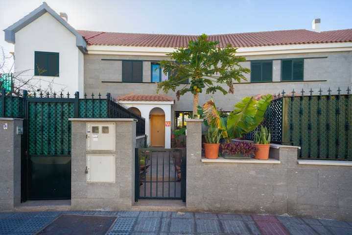 SEMIDETACHED HOUSE MASPALOMAS(SPECIAL PRICE MAY)