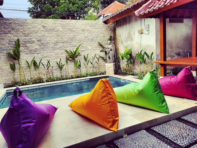 VillaBagus Private Pool 2 BR walk Padma beach