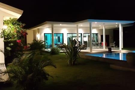 Villa Frankee - Tambon Hua Hin