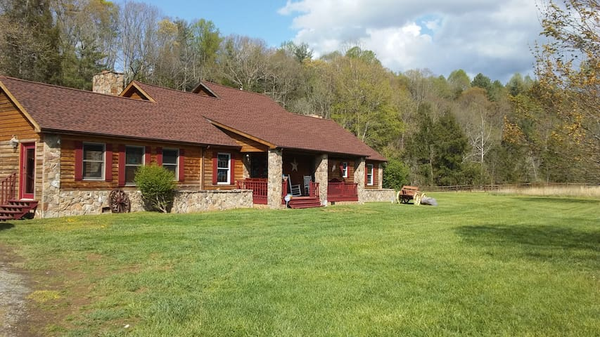 LiL PONDEROSA Vacation Rentals, LLC - Damascus - House