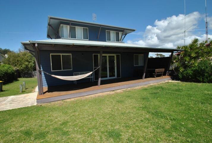 Blue Culburra Beach House - Culburra Beach