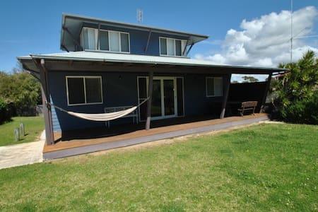 Blue Culburra Beach House - Culburra Beach