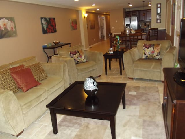 Awesome 3 Bedroom 2 baths 1500 sf Near All. - Seaside Heights - Condominium
