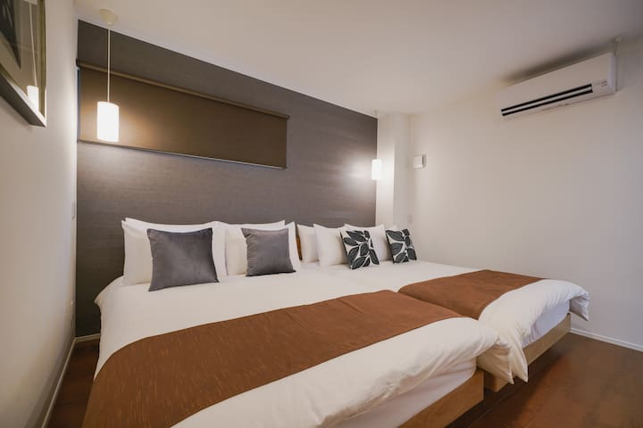 B : Twin Bed Room(Double)