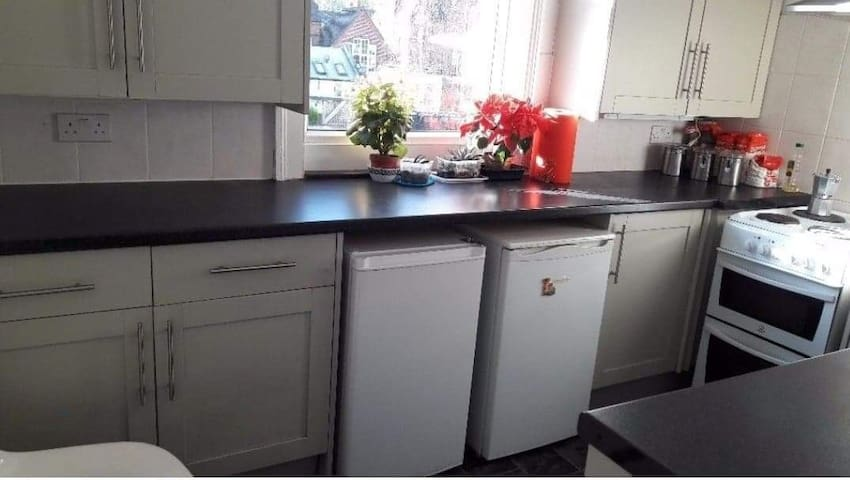 Big double room close to town centre