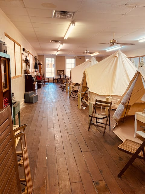 Nutty's Camp Jefferson - Glamping Downtown