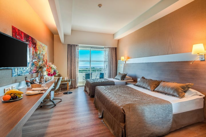 Gorgeous Double Single Use Deluxe Sea View At Lara