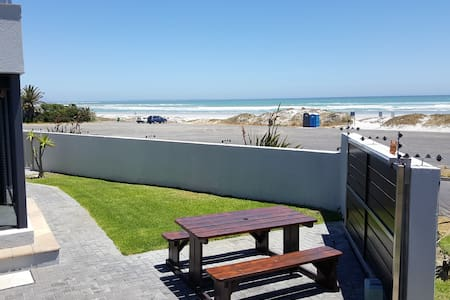 Beach Apartment Melkbosstrand (Holiday & Monthly) - Cape Town