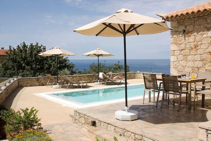 Gea Mani Villa 1 - Private pool Elegant Stay